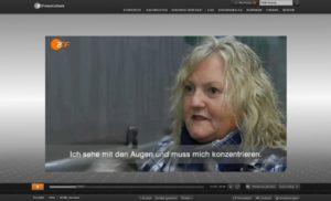 Gehörlose LKW-Fahrerin Verena Künne bei der Arbeit